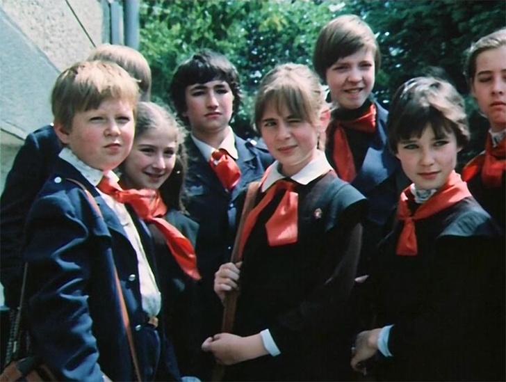 Фото №11 - Краткая история школьной формы в СССР