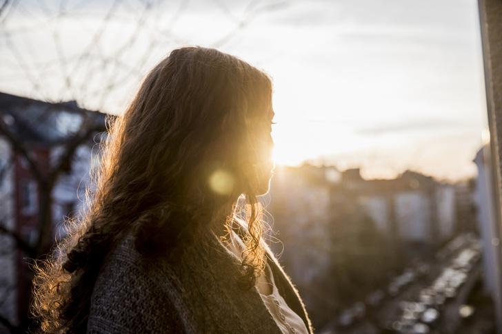 Фото №1 - Что делать после расставания, чтобы перестать страдать по бывшему