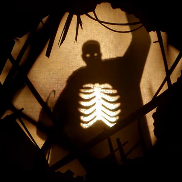 Фото №1 - Призвать «Кэндимена»: как посмотреть трейлер нового фильма ужасов 😲