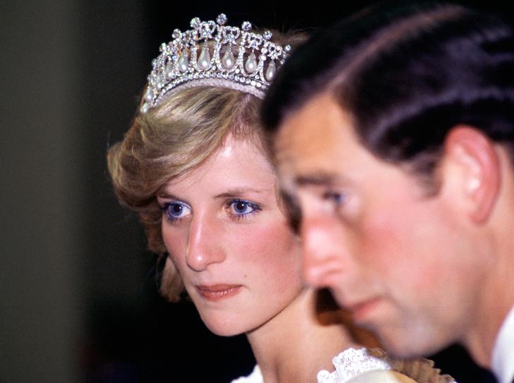 Фото №7 - Катастрофа для династии: «психическая болезнь» принцессы Дианы