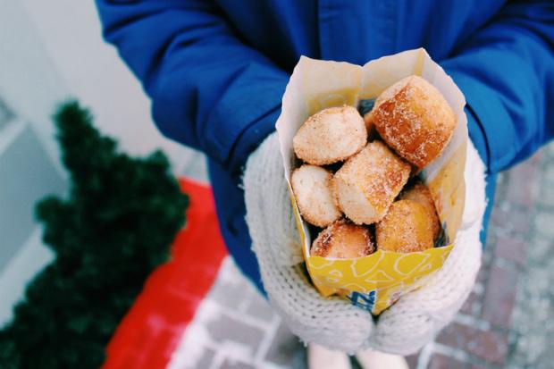 Фото №1 - Вкусные новогодние предложения Wetzel's Pretzels