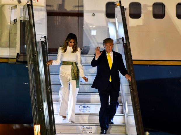 Фото №6 - Новый курс: что Мелания Трамп хотела сказать своим гардеробом в Индии