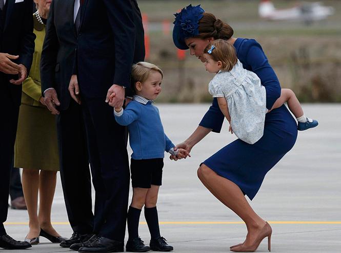 Фото №3 - Принц Джордж, принцесса Шарлотта и Кейт Миддлтон стали звездами канадского тура