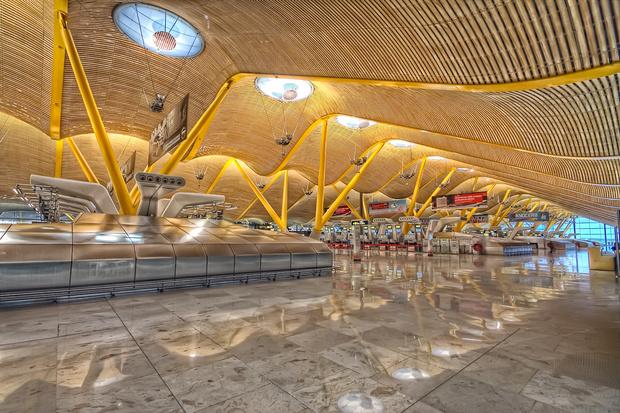 Фото №13 - 10 самых красивых аэропортов мира