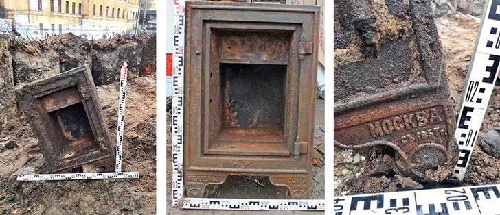 Фото №1 - В центре Москвы нашли старинный сейф со следами взлома