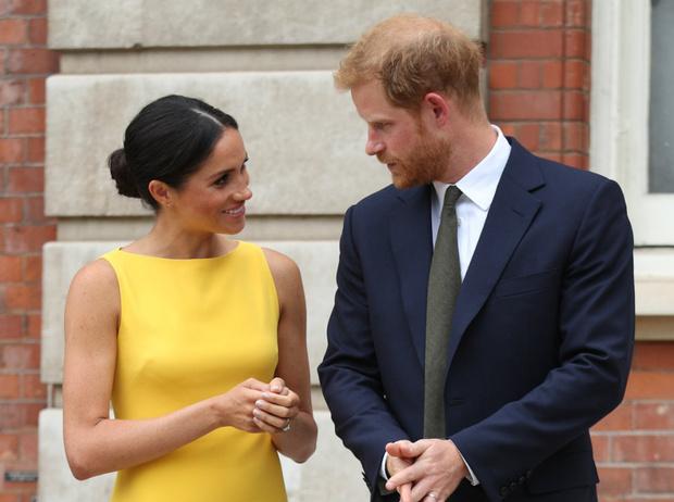 Фото №1 - Дорогая герцогиня: сколько британцы потратили на Меган за два года