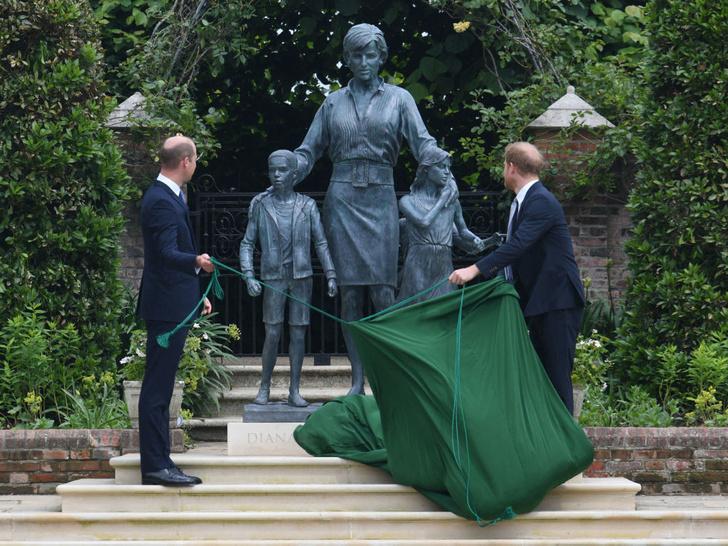 Фото №3 - Почему Гарри не хотел, чтобы Кейт присутствовала на открытии памятника Диане