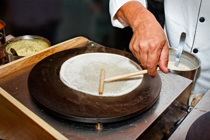 Фото №1 - Как пекут блины во Франции