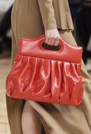 Фото №12 - Самые модные сумки осени и зимы 2020/21