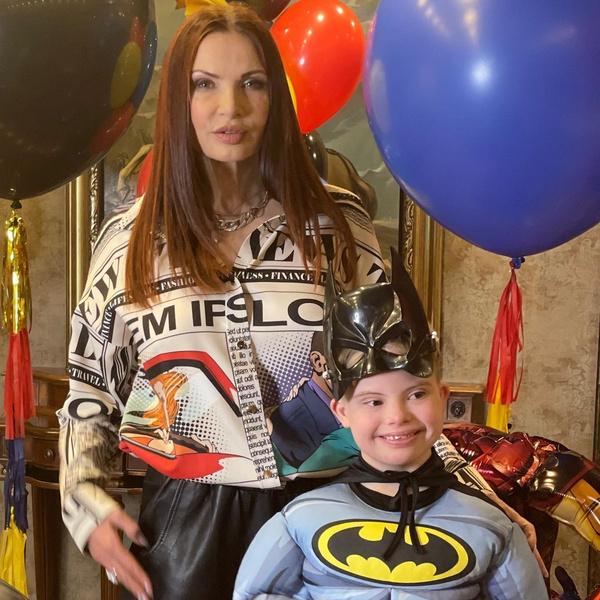 Эвелина Бледанс и сын с синдромом дауна: последние новости