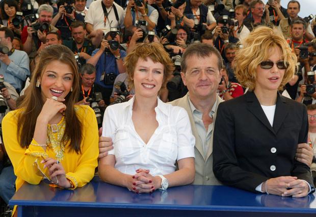 Фото №6 - Болливуд в Каннах: Айшвария Рай и все ее наряды за историю кинофестиваля
