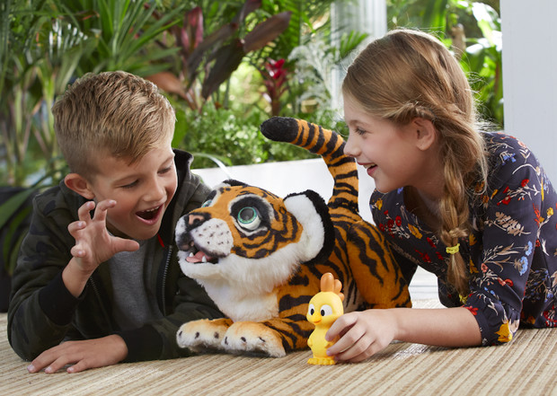 Фото №3 - Новая игрушка от Hasbro «Рычащий амурчик» – на защите амурского тигра!