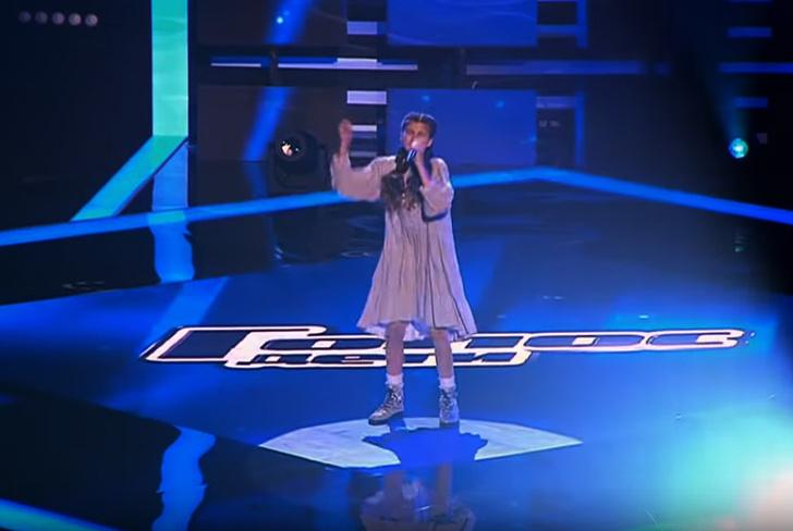 Фото №1 - Девочка из Турции спела «Ой, то не вечер» на российском конкурсе «Голос. Дети», но жюри не повернулось (видео)