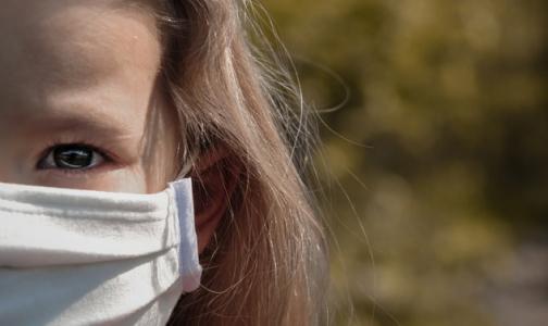 Фото №1 - ВОЗ: Детям 5 лет и младше не обязательно носить маски для защиты от коронавируса