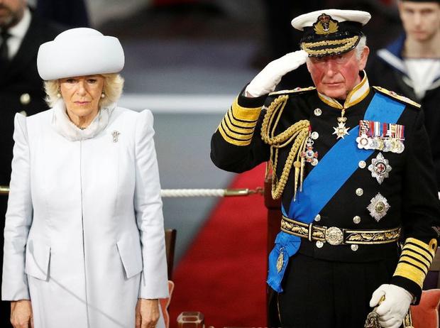 Фото №2 - Какой поступок королева Елизавета II не могла простить принцу Чарльзу