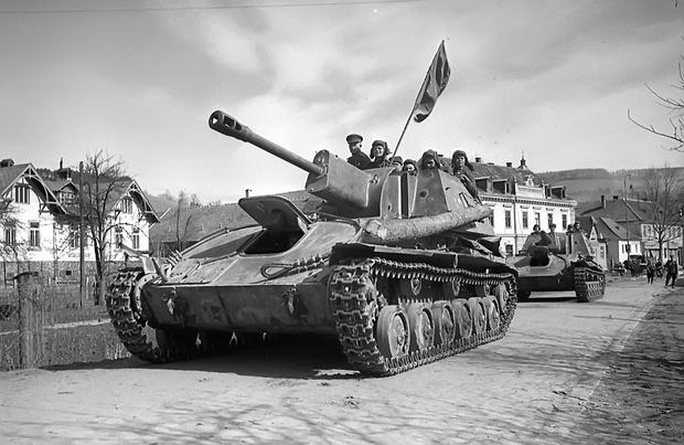 Фото №1 - Почему СУ-76 называли «братской могилой»