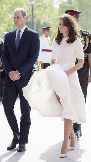 Фото №2 - Главный конфуз за королевскую «карьеру» герцогини Кейт (и его последствия)
