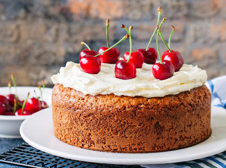 Фото №1 - Вишневый пирог с сырным кремом