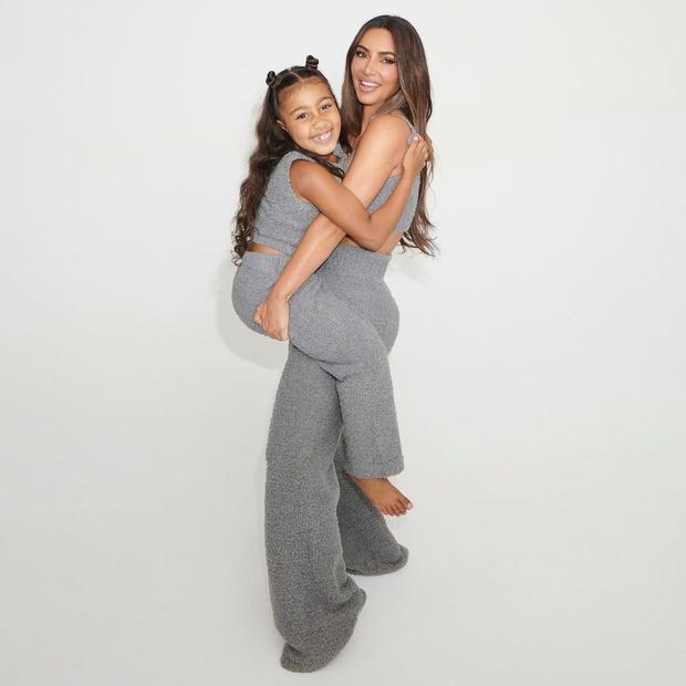 Ким Кардашьян и ее дочь Норт снялись для новой рекламной кампании Skims
