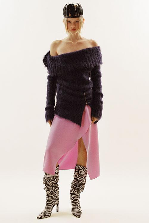 Фото №4 - Цветные шубы, вязаные брюки и венец из перьев: коллекция Attico осень-зима 2021