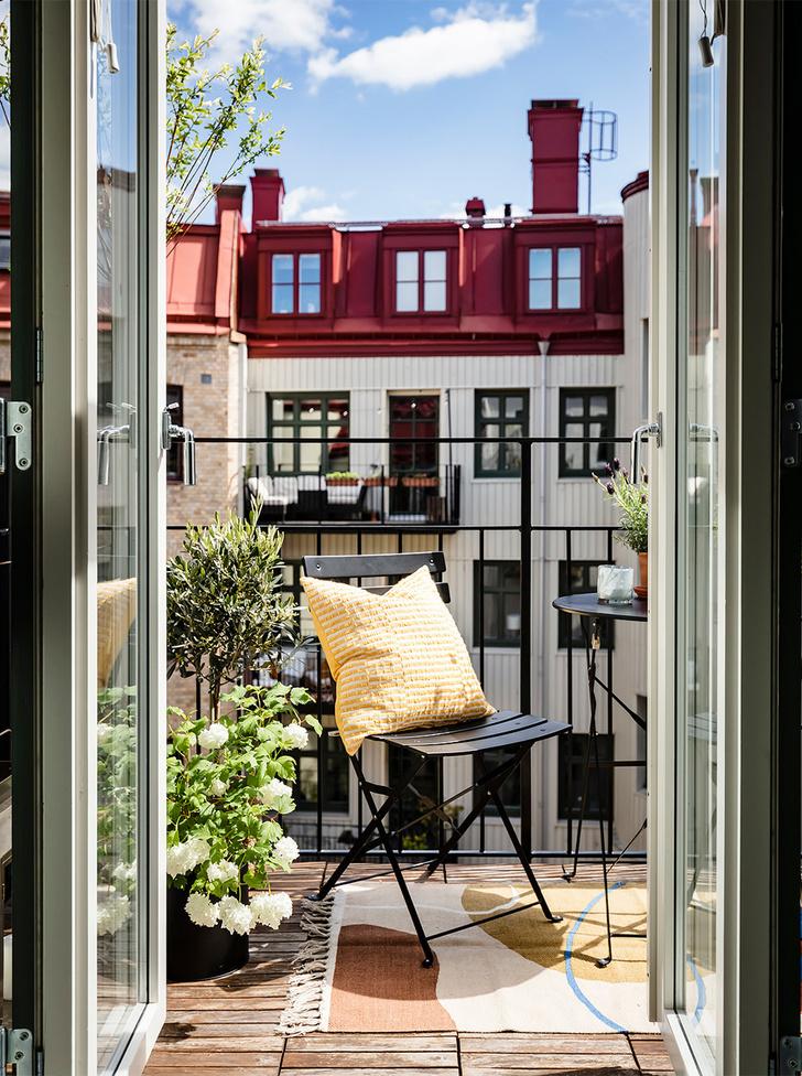 Фото №1 - 8 способов сделать балкон уютнее
