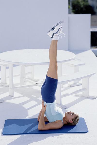Фото №4 - 12 асан йоги, опасных для здоровья