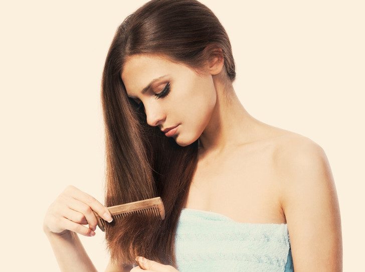 Фото №1 - Как восстановить волосы после родов: советы врача