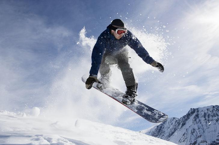 Фото №1 - Что безопаснее: лыжи или сноуборд?