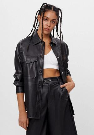 Фото №5 - Что будем носить весной 2021: топ-5 модных кожаных курток