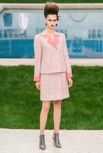 Фото №12 - Как создавалась кутюрная коллекция Chanel весна/лето 2019