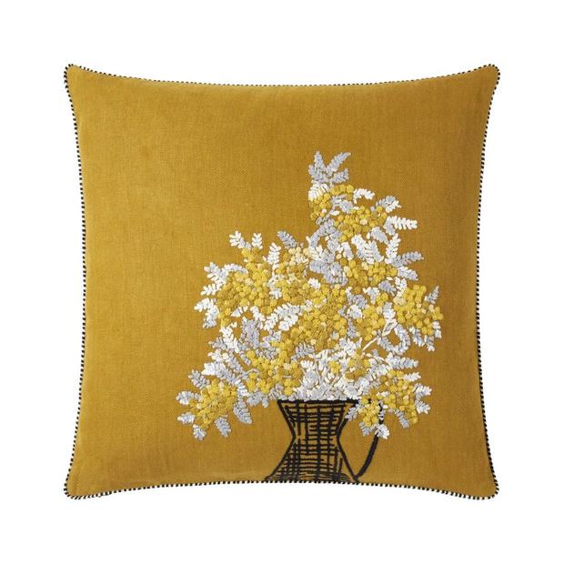 Фото №14 - Здравствуй, солнце! 15 покупок в желтом цвете