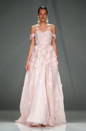Фото №33 - Свадебный сезон 2017: модные палитры и детали, которые сделают свадьбу по-настоящему стильной
