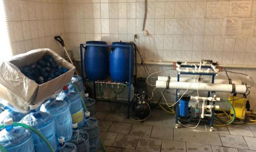 Фото №1 - В Петербурге в офисные кулеры поставляли воду из-под крана