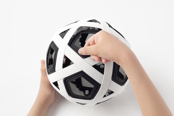 Фото №8 - Студия Nendo спроектировала футбольный мяч-конструктор