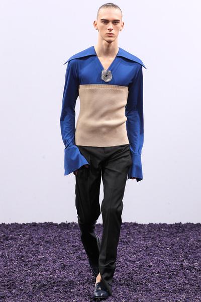 Фото №2 - Самые нелепые образы с Недель мужской моды