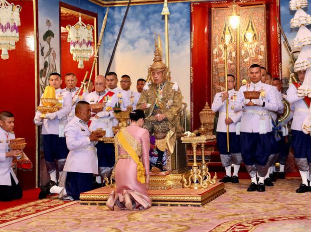 Фото №21 - Итоги года: самые громкие скандалы с участием королевских семей