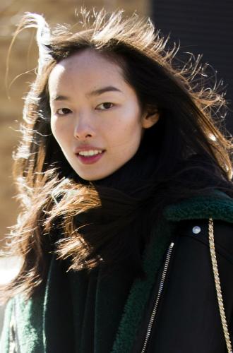 Фото №7 - И так красавица: 3 типажа внешности, которым не нужен яркий макияж