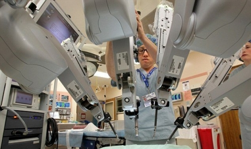 Фото №1 - Роботов-хирургов обвинили в смертях 144 пациентов