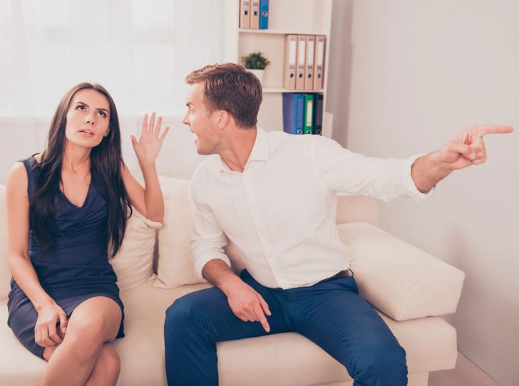Фото №4 - Как понять, что мужчина вами манипулирует