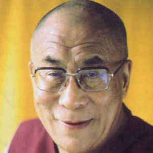 Фото №1 - Далай-Ламу приняли в парижане