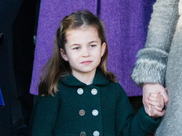 Фото №1 - Одно лицо: в Сети обсуждают сходство принцессы Шарлотты с Китти Спенсер