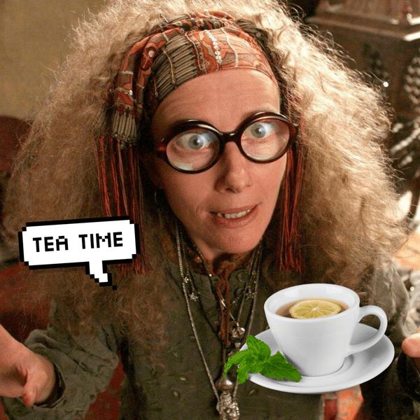 Фото №1 - Гадания по чаинкам: выбери чашку, а мы скажем, сколько у тебя будет мужей 🧡