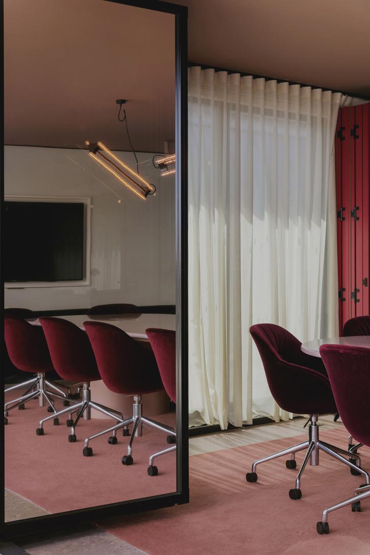 Фото №6 - Яркий офис в стиле mid-century в Лондоне