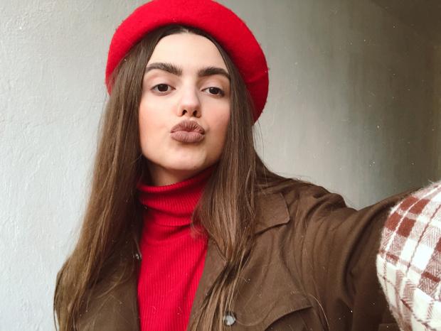 Фото №4 - Блог fashion-редактора: носим красный берет во французском стиле