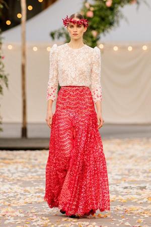 Неделя высокой моды в Париже: Chanel haute Couture весна-лето 2021