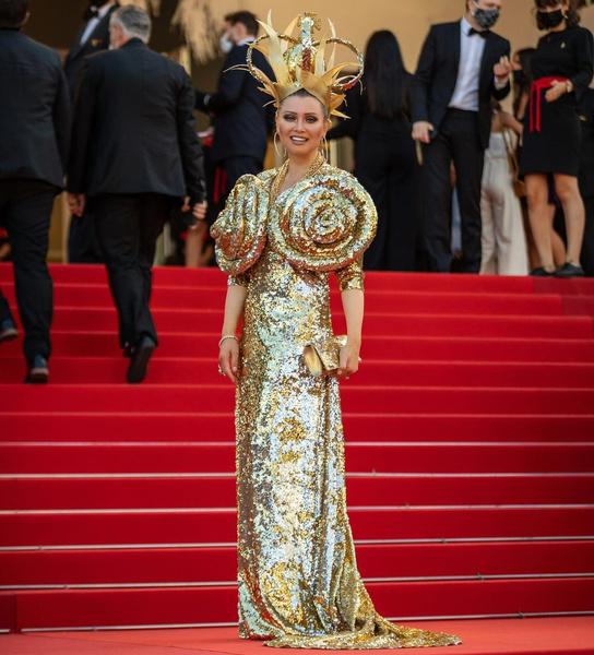 Лена Ленина, платья звезд с пайетками, модный провал, странные образы с пайетками, блестки, пайетки