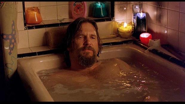 Фото №1 - Единственные три части тела, которые нужно мыть каждый день, по мнению ученых