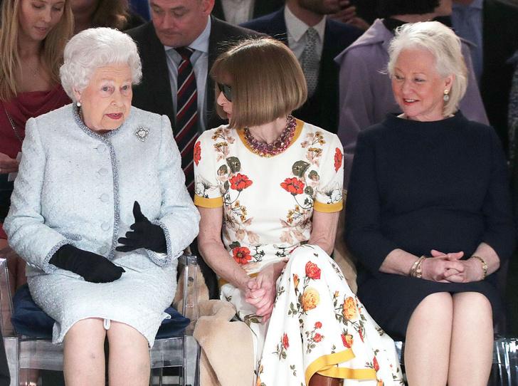 Фото №2 - Секреты Елизаветы: 8 новых историй о гардеробе Королевы