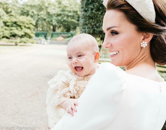 Фото №2 - Крутой Джордж: новое фото принца признано лучшим (и очень смешным)