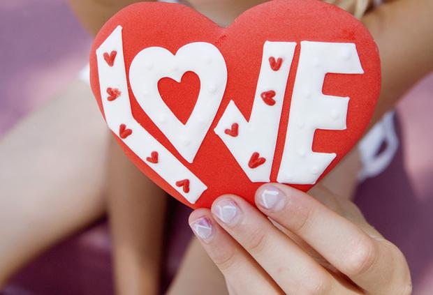Фото №2 - Февральские: 15 красивых имен со значением «любовь»